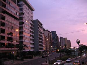 Лима, Мирафлорес, вечер